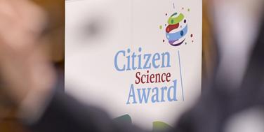 Bunt wie die teilnehmenden Projekte: das Logo des Citizen Science Award 2018 Foto: Martin Hörmandinger