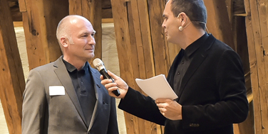 Moderator Bernhard Weingartner mit Alexander Schatek (Topothek) Foto: Martin Hörmandinger
