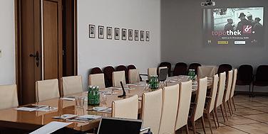 Die Einschulung fand im Sitzungssaal des Gemeindeamtes statt.